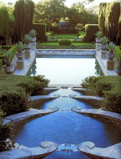 Las Tejas in Montecito in the style of the formal gardens at Villa Lante. - Las Tejas in Montecito in the style of the formal gardens at Villa Lante. Photo by Lisa Romerein. Formal Gardens, Outdoor Gardens, Modern Gardens, Japanese Gardens, Small Gardens, Design Jardin, Dream Pools, Exterior, Parcs