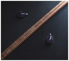 Amatista + plata (VENDIDA) Encamina a quien la usa en el camino de la visión objetiva. 🔹Planeta: Júpiter y Neptuno. 🔹Beneficios: Aleja el insomnio. Piedra de la paz y serenidad. Ayuda a calmar los miedos. Tiene un gran efecto calmante sobre la mente. #stones #desing #energia #accesorios #puraenergia #jewelry #piedras #power #diseño #diseno #guadalajara #gdl #mexico #diseñomexicano #joyería #plata #silver #amatista #energiahechadiseño