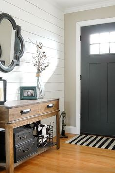 How to Get the Modern Farmhouse (with a touch of Industrial) Look!