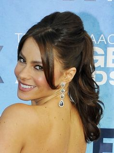 Sofia Vergaras sexy, ponytail hairstyle hair-beauty