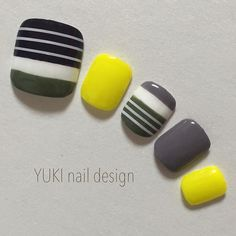 Black grey & yellow nails