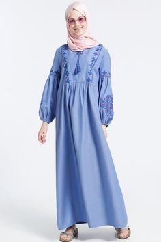 Benin Açık Mavi Doğal Kumaşlı Nakış İşlemeli Elbise 99.90 TL http://alisveris.yesiltopuklar.com/benin-acik-mavi-dogal-kumasli-nakis-islemeli-elbise.html
