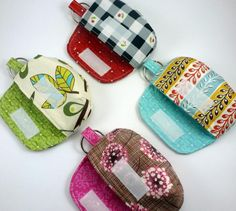 idée originale de patchwork facile - se faire des porte-clés pochettes à motifs badins