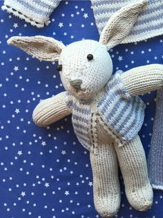 DIY / My blanket rabbit The Druggist - Knitting 01 Post Animal, Knitting Projects, Baby Dolls, Knit Crochet, Diy And Crafts, Rabbit, Bunny, Teddy Bear, Blanket