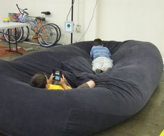 i started out thinking about building a beanbag, but being the prototypically exuberant man's man that i am i thought: 'i am going to go huge! why make a beanbag just like everyone else? i'll make the biggest, baddest beanbag evah!!!' Well in the end i did make the biggest baddest beanbag evah, but i think any practical assessment would say that it is too large to be convenient (eg: hard to get through doorways and tends to fill all available floor area in room). But I learned enough…