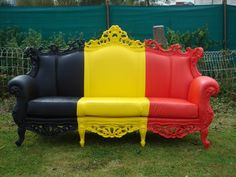 cool with different colors Backyard Furniture, Couch, Chaise Lounge, Furniture, Love Seat, Home Remodeling, Contemporary, Home Decor, Room