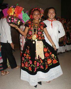 Traje típico de Oaxaca on 1001 Consejos http://www.1001consejos.com/social-gallery/traje-tipico-de-oaxaca