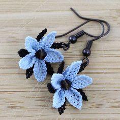 Twinkle Dangle Earrings – Handmade Needlework Oya This set hand crochet flower earrings with single beaded jewel was made to add a little glamor to. Crochet Pouf, Crochet Gloves, Chunky Crochet, Cotton Crochet, Hand Crochet, Beaded Crochet, Flower Earrings, Dangle Earrings, Crochet Earrings