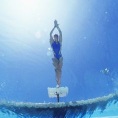 Perfect Your Turns I Love Swimming, Swimming Tips, Girls Swimming, Swimming Photography, Diving Springboard, Swimmer Problems, Competitive Swimming, Water Aerobics, Swim Team