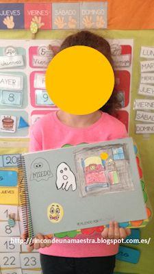 """Rincón de una maestra: El libro viajero """"Vivimos las emociones"""" Monopoly, Maps, Texts, Activities For Kids, Preschool Farm, Teachers, Blue Prints"""