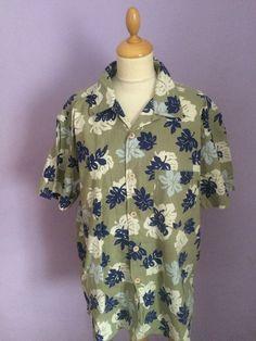 Vintage style Rockabilly Hawaiian shirt mens size L Vintage Hawaiian Shirts, 1950s Style, 1950s Fashion, Rockabilly, 1940s, Casual Shirts, Collars, Floral Tops, Best Deals