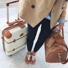 Delsey Chatelet Hardside Spinner Luggage