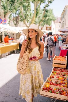 Gal Meets Glam Saint-Remy-de-Provence – Cuyana tank, Novella Royale skirt, Carrie Forbes sandals, Cuyana hat & Mar Y Sol tote