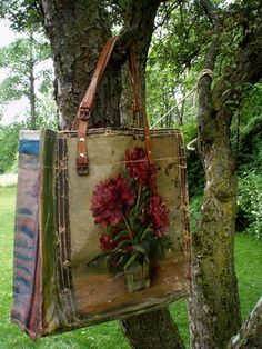 bags from old canvas paintings - i haved loved these bags since the first time i saw them some years back.