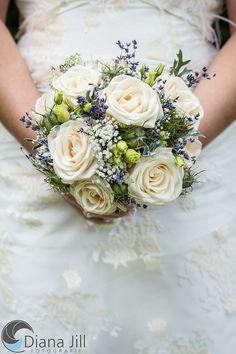 *August-Braut* Rosen | Lavendel | Schleierkraut | Lisianthus Mehr