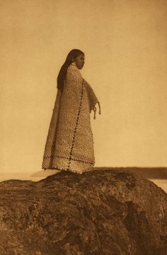 Photographs of American Indians : Cowichan Girl. Native American History, Native American Indians, American Symbols, Native Indian, First Nations, Pacific Northwest, Time Travel, Edward Curtis, Cherokee Nation