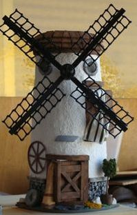 Trabajos en madera, maquetas de ladrillo, tejas decoradas en 3d, etc. Tuile, Felt Fairy, Windmill, Dollhouse Miniatures, Wood Crafts, Biscuit, Craft Projects, Butterfly, Homemade