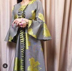 Abaya Style 861524603696513856 - Khaliji Source by asouembot African Attire, African Wear, African Dress, African Print Fashion, African Fashion Dresses, Fashion Outfits, Abaya Fashion, Muslim Fashion, Mode Abaya
