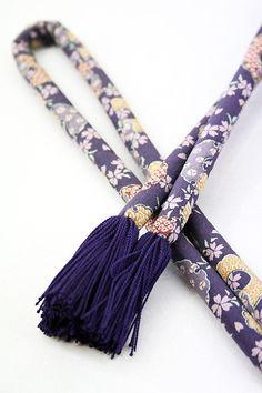 Purple Obi jime, Chic Snow and Flower Pattern / 紫色地 シックな雪輪花柄 縒り房の丸ぐけ帯絞め   【リサイクル着物・アンティーク着物・帯の専門店 あい山本屋】#Kimono #Japan