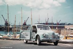 Falles, taking delivery of the new Renault 4cv 750. (photo: Pierre Mette).