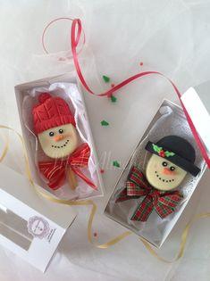 Christmas Cookies Gift, Christmas Cake Pops, Christmas Craft Fair, Christmas Chocolate, Christmas Treats, Christmas Baking, Fun Cupcakes, Cupcake Cakes, Paletas Chocolate