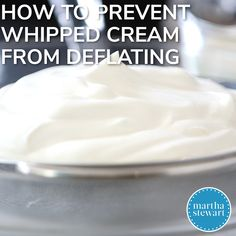 Make Perfect Whipped Cream Every Time with Our Top Tips - - Here's what you need to know to prepare the fluffy, silken whipped cream of your dreams. Stabilized Whipped Cream Frosting, Flavored Whipped Cream, Vegan Whipped Cream, Making Whipped Cream, Chocolate Whipped Cream, Homemade Whipped Cream, Recipe For Whipped Cream, How To Whip Cream, Wipped Cream Frosting
