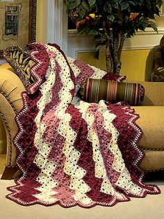 Sophisticated zigzag pattern using popcorn stitches & petal motif #crochet #afghan #blanket #throw