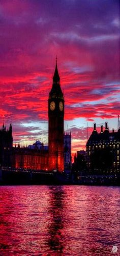 Big Ben, Red Sunset, Palace of Westminster in London