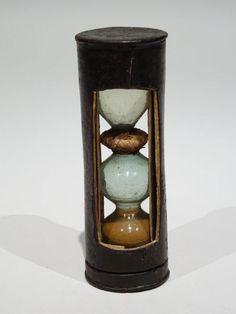 Sablier de voyage en cuir - Sabliers de collection - Antiquité Delalande