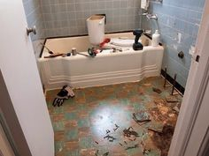 Before & After: The Happy Accident Bathroom Makeover — Renovation Project | Apartment Therapy $1000!