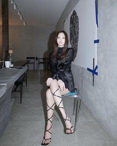 Kim Jennie, Black Pink Jennie Kim, Yg Entertainment, South Korean Girls, Korean Girl Groups, Rapper, Blackpink Icons, Diva Fashion, Stripe Skirt