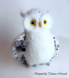 Polarette the polar owl with mouse crocheted made by Tamara Nowack, €90.00