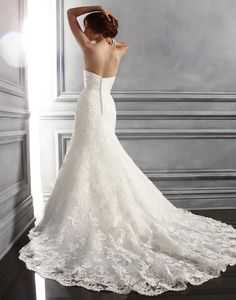 why is it that I always find the back of wedding dresses so much prettier than the front?