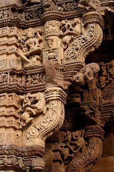 Asia - India / Monuments in Gujarat by RURO photography Indian Temple Architecture, India Architecture, Ancient Architecture, Gothic Architecture, Monument In India, Sculptures, Lion Sculpture, Asia, Stone Carving