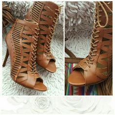 Nine West Bootie Gorgeous Bootie transitions from season to season Worn only a few times... Nine West Shoes Ankle Boots & Booties