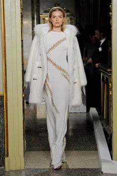White clothing on the fall / winter 2012 runways