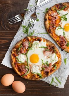 Ham and Egg Breakfast Pizza makes pizza for breakfast is totally acceptable. ~ http://www.garnishwithlemon.com