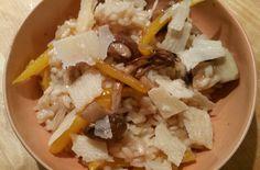 Oh wat lekker, wat ontzettend lekker is deze risotto! Een aanrader voor deze herfstige dagen. Het recept vond ik in de laatste Allerhande.