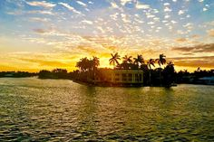 Saturday..It's a good day to have a good day! Join us here on Jungle Queen! #JungleQueenRiverboats #DiscoverFtLauderdale #CaptureAMoment #BestOfFlorida #StunningSaturdays