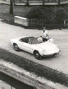 Alfa Romeo Spider 1600 Press Photograph