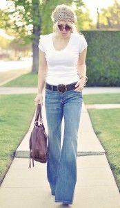 Coraz częściej da się zauważyć jeansowe dzwony, które królowały jakieś 30 lat temu. Czy tym razem zostaną równie dobrze przyjęte?  #spodniedlakobiet