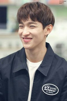 My sunshine 😍 Woozi, Wonwoo, Jeonghan, Seventeen Lee Seokmin, Hip Hop, Seventeen Debut, Seventeen Wallpapers, Look Here, Light Of My Life