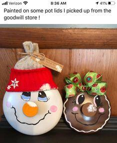 Pot Lids, Christmas Ornaments, Christmas Ideas, Snowman, Holiday Decor, Christmas Jewelry, Snowmen, Christmas Decorations, Christmas Decor