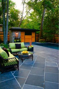 Tuin idee n on pinterest tuin modern pools and decks - Outdoor patio ideeen ...