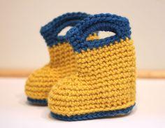 Crochet Child Booties crochet sample for child rain boots. Crochet Baby Booties Supply : crochet pattern for baby rain boots. Booties Crochet, Crochet Baby Boots, Newborn Crochet, Baby Rain Boots, Baby Booties, Baby Shoes, Baby Sandals, Snow Boots, Crochet For Kids