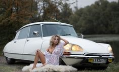 1975 Citroen DS 23 Pallas and model. Citroen Ds, Manx, Buick Skyhawk, Up Auto, Space Car, Pin Up, Top Cars, Car Girls, Sexy Cars