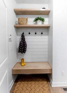 We recently just finished up a project in Maple Grove, MN and we, as well as the clients, were blown away with the transformation. Mudroom Laundry Room, Bench Mudroom, Bench In Hallway, Bench In Bathroom, Small Mudroom Ideas, Mudroom Storage Ideas, Entryway Storage, Flur Design, Entry Closet