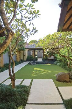 Nice 40 Fantastic Garden Exterior Design Ideas Using Grass That Looks Cool. # garden design 40 Fantastic Garden Exterior Design Ideas Using Grass That Looks Cool Bali Garden, Balinese Garden, Garden Paths, Garden Grass, Garden Edging, Modern Garden Design, Contemporary Garden, Landscape Design, Contemporary Apartment