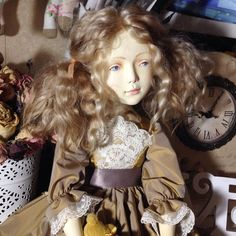 Подвижная кукла Серафима. Дерево. Единственный экземпляр. 💛  #авторскаякукла #куклаиздерева #ручнаяработа #будуарнаякукла #коллекционныекуклы #салонкукол #коллекциякукол #handmadedolls #woodendoll #dollcollection #artdoll  #collectiondoll #iris_dolls #dollstagram #dollmarket
