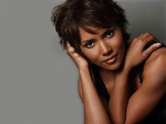 Halle Berry cool and messy short hairstyles